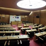 豊中市 市議会議場 議員席机